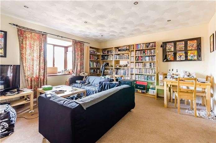 2 Bedrooms Flat for sale in Broom Close, Littleport
