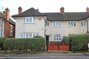 4 Bedrooms Semi Detached House for sale in Bishopsthorpe Road, Sydenham, London