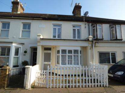 3 Bedrooms Terraced House for sale in Westcliff-On-Sea, Essex, England