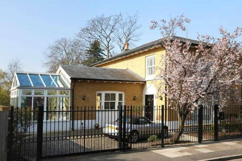 4 Bedrooms Detached House for rent in Paddock Lodge, Clifton Road, Wimbledon Village