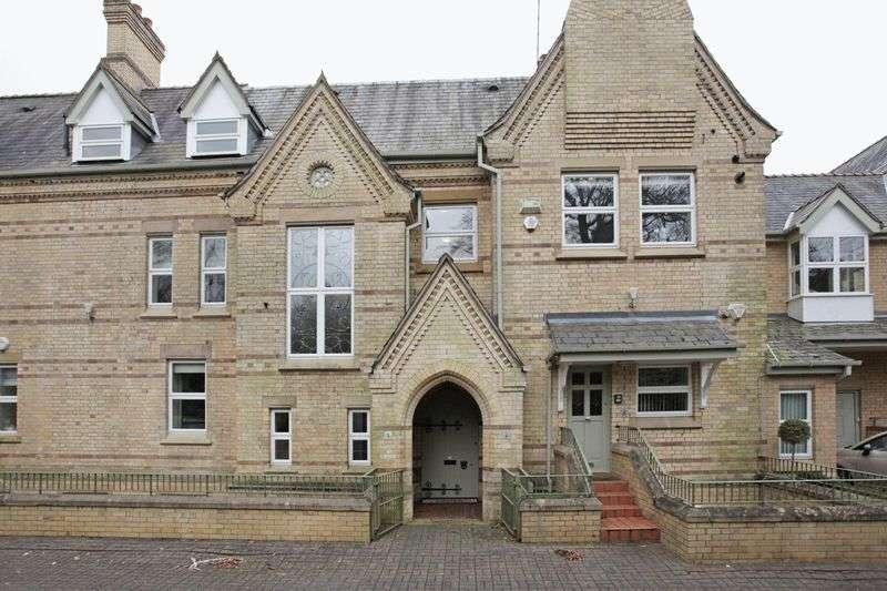 3 Bedrooms Flat for sale in Merlewood, Langham Road, Bowdon