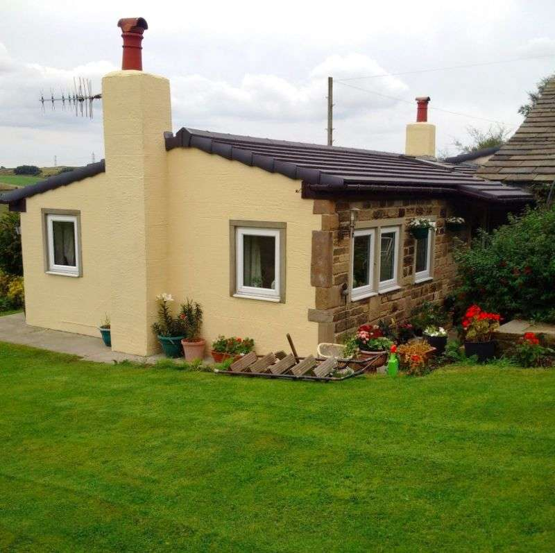 3 Bedrooms Bungalow for sale in Denholme, Bradford