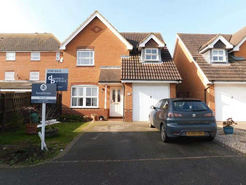 3 Bedrooms Detached House for sale in Kestrel Crescent, Brackley