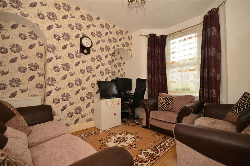 3 Bedrooms Terraced House for sale in Gainsford Road, Walthamstow, London