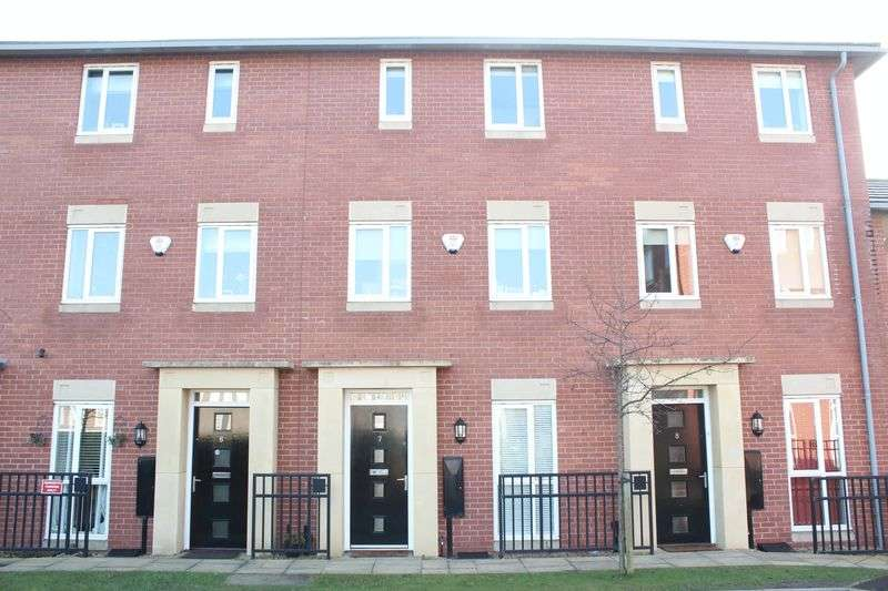 3 Bedrooms Terraced House for sale in Field Close, Bilston