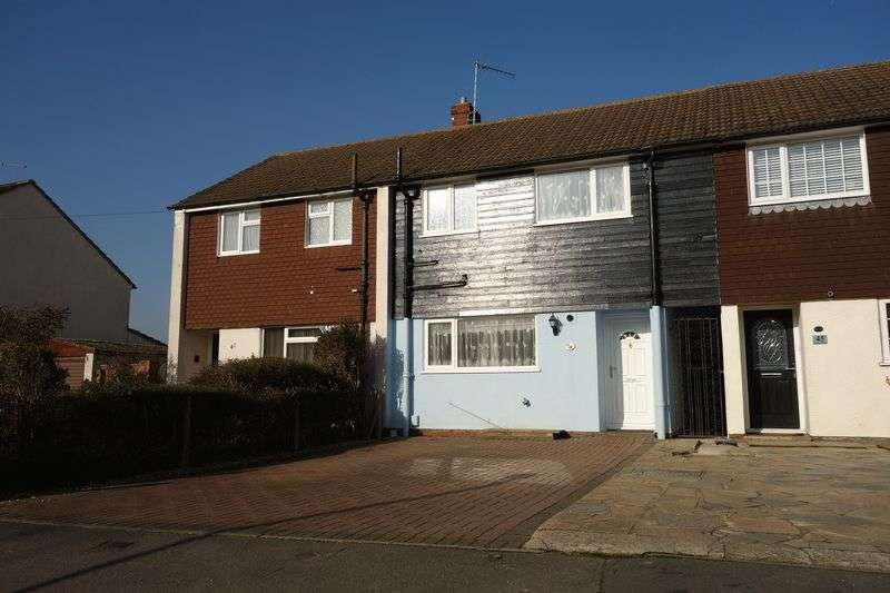 3 Bedrooms Terraced House for sale in Ewins Close, Ash