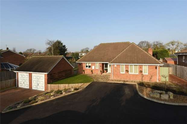 4 Bedrooms Chalet House for sale in New Road, Bromham