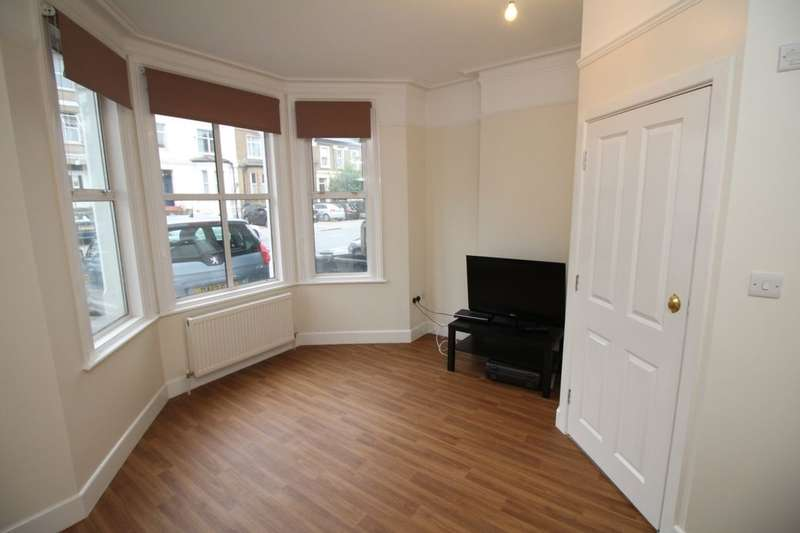 5 Bedrooms Semi Detached House for rent in St. James's Road, Croydon, CR0