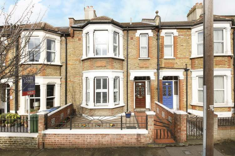 3 Bedrooms Terraced House for sale in Eversley Road London SE7