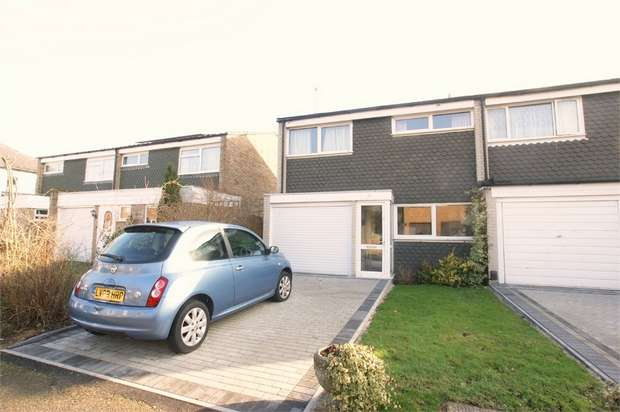 3 Bedrooms Semi Detached House for sale in Green Lane, Hersham, WALTON-ON-THAMES, Surrey