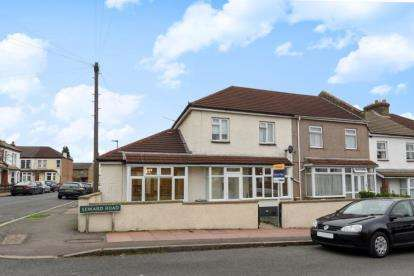 3 Bedrooms Semi Detached House for sale in Seward Road, Beckenham