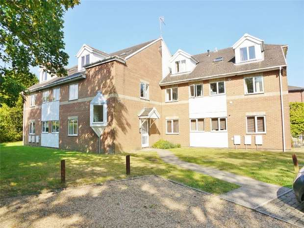 2 Bedrooms Flat for sale in 47 Danecourt Road, Lower Parkstone, POOLE, Dorset