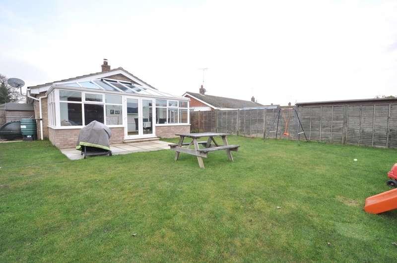 3 Bedrooms Detached Bungalow for sale in St Michaels Way, Wenhaston