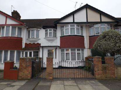 3 Bedrooms House for sale in Banstead Gardens, London
