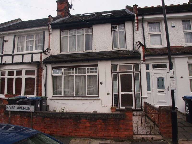 3 Bedrooms Terraced House for sale in River Avenue, Palmers Green