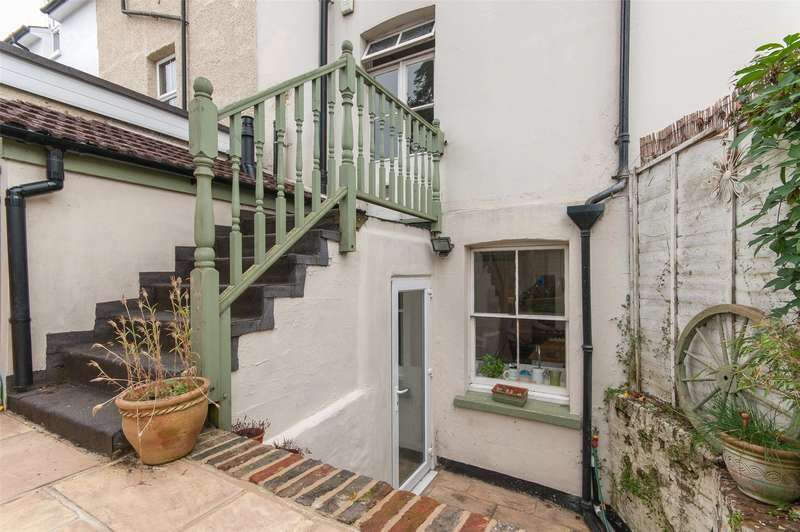 4 Bedrooms Semi Detached House for sale in Lesbourne Road, Reigate, Surrey, RH2