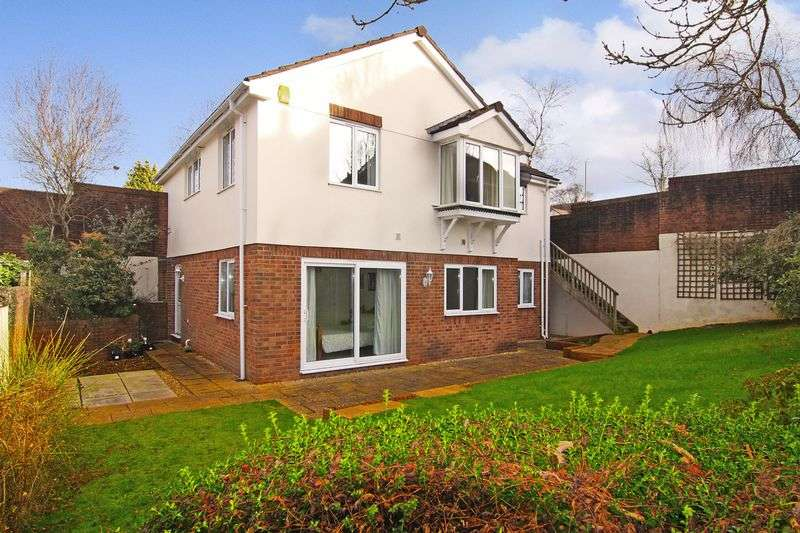 4 Bedrooms Detached House for sale in Abbey Rise, Okehampton