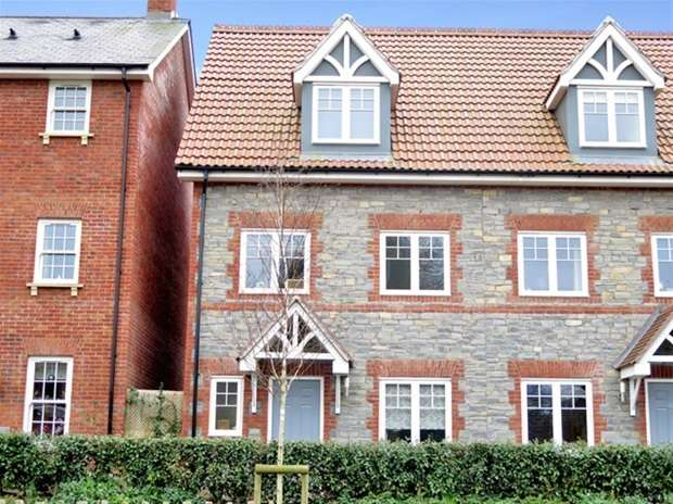 3 Bedrooms Semi Detached House for sale in Glastonbury Road, Wells