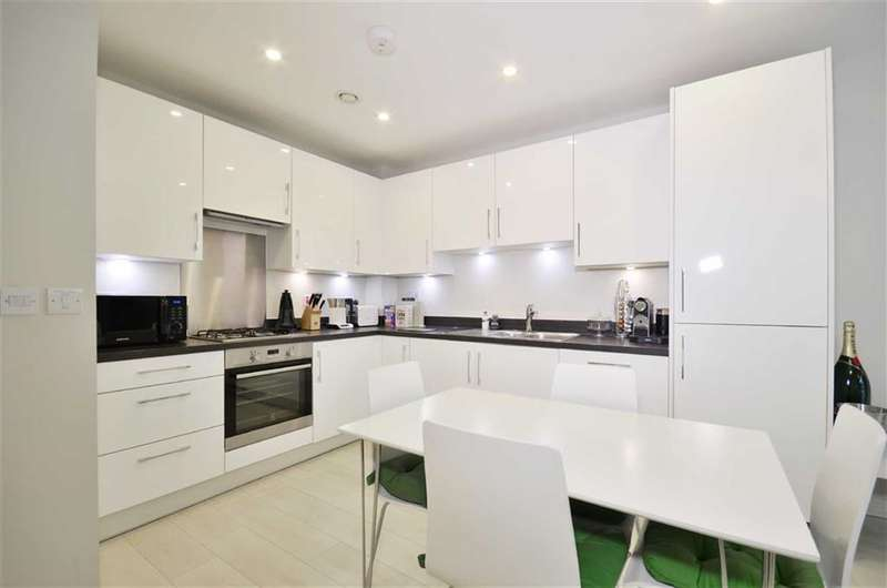 2 Bedrooms Property for sale in Chiltern Rise, Rickmansworth, Herts, WD3