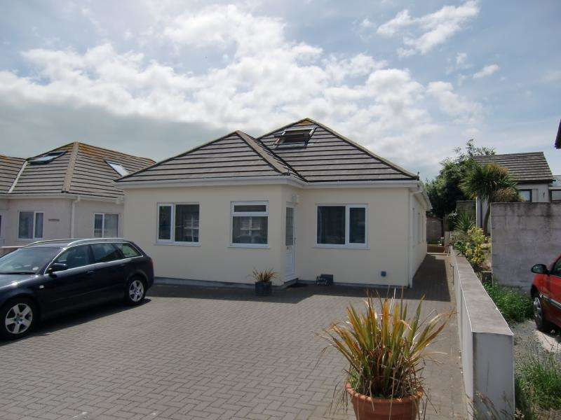4 Bedrooms House for sale in Enys Close, Carbis Bay, Cornwall