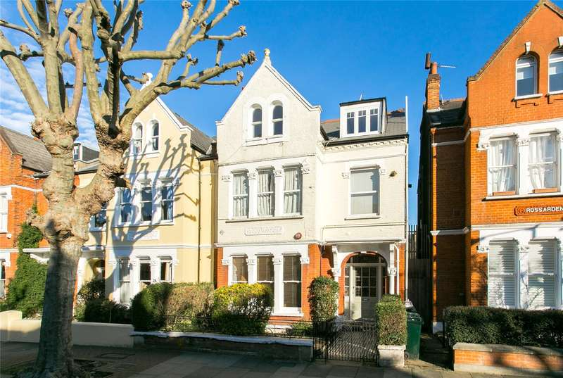 2 Bedrooms Flat for sale in Streathbourne Road, London, SW17