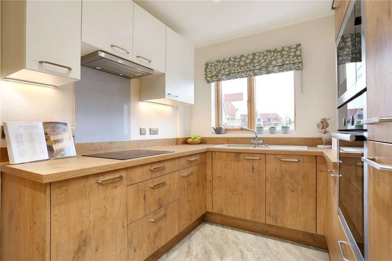 2 Bedrooms House for sale in Butlers Green Road, Haywards Heath, West Sussex, RH16