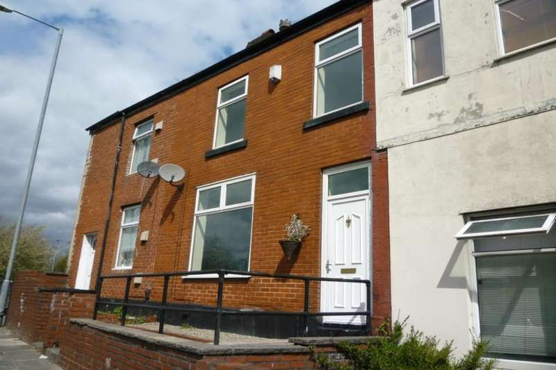 3 Bedrooms Property for sale in Bolton Road, Kearsley, Bolton, BL4