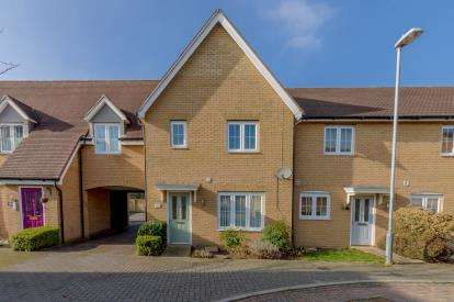 3 Bedrooms Semi Detached House for sale in Rayleigh, Essex, United Kingdom