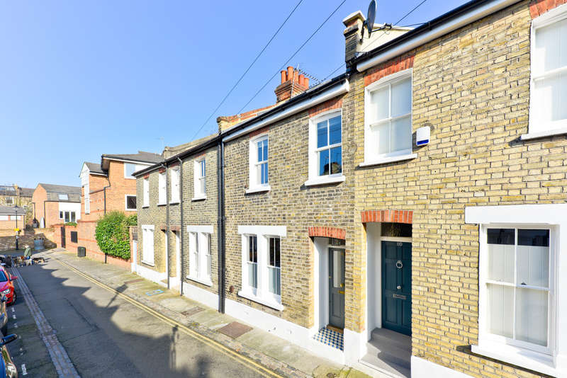3 Bedrooms Terraced House for sale in Whistler Street, N5