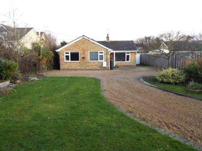 4 Bedrooms Bungalow for sale in Swanmore, Southampton, Hampshire