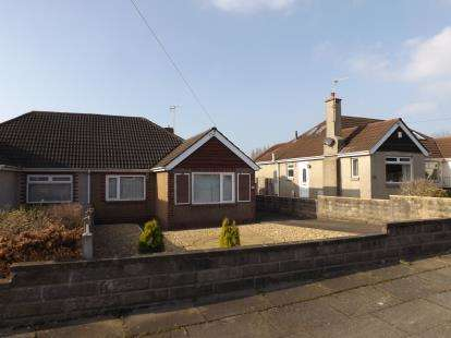 3 Bedrooms Bungalow for sale in Stanhope Avenue, Morecambe, Lancashire, United Kingdom, LA3