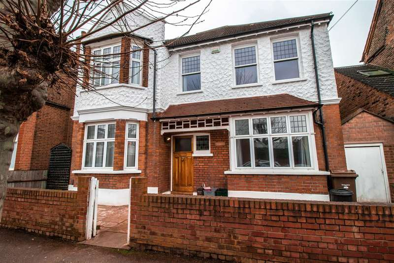 4 Bedrooms Detached House for sale in Southdown Road, Wimbledon