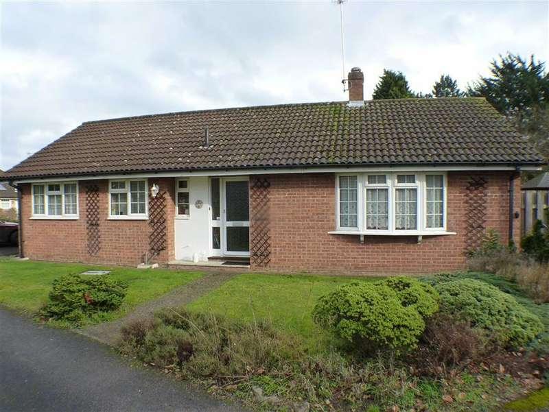 3 Bedrooms Property for sale in The Maltings, Byfleet, Surrey