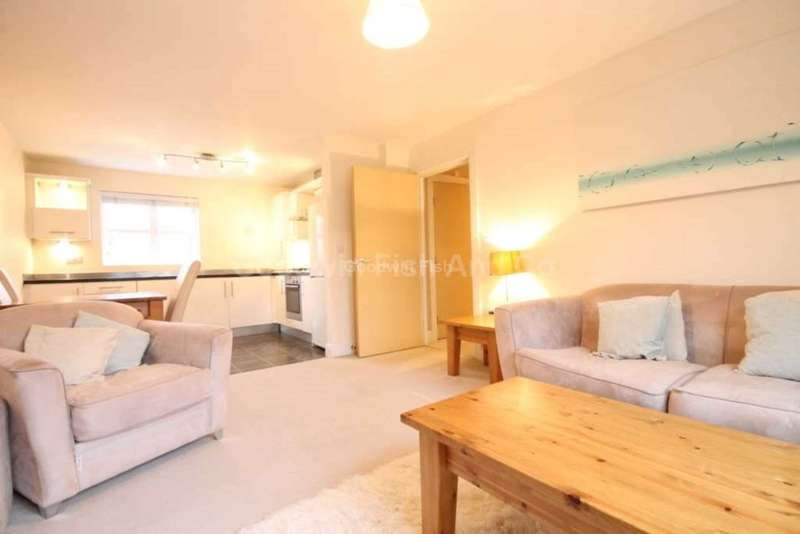 2 Bedrooms Apartment Flat for sale in 171 Greenwood Road, Wythenshawe