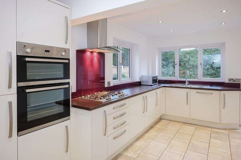 3 Bedrooms Detached House for sale in Beechcroft, Pattingham, Wolverhampton
