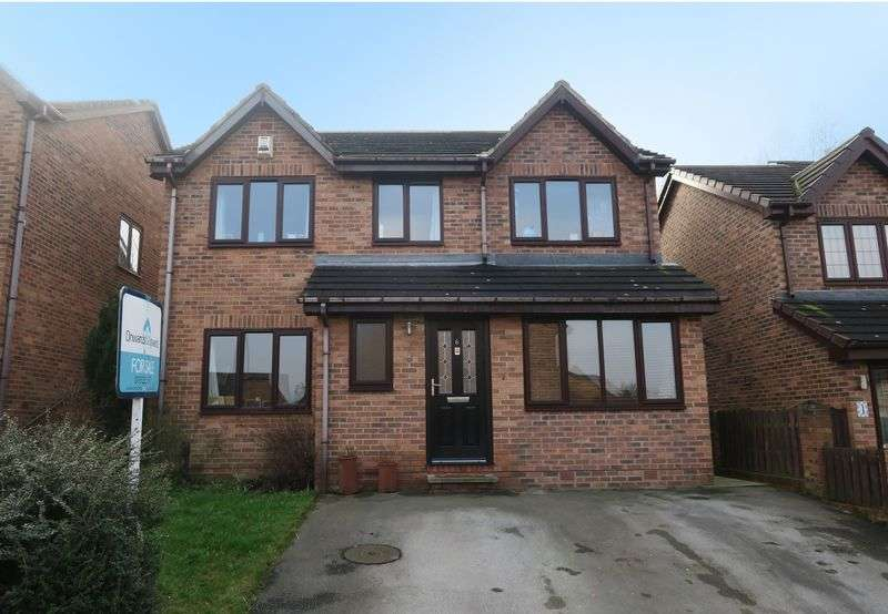5 Bedrooms Detached House for sale in The Oaks, Churwell, Morley, Leeds