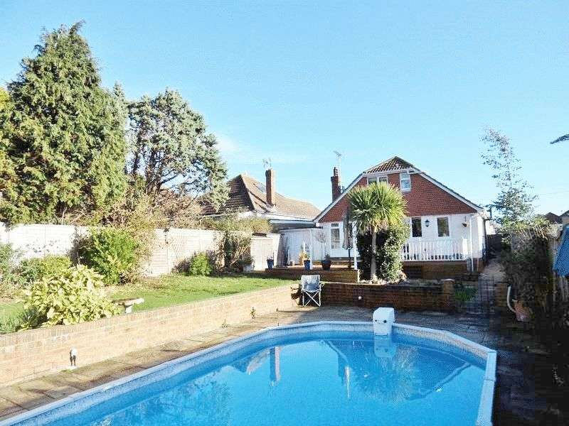 4 Bedrooms Detached Bungalow for sale in Hayling Rise, Worthing
