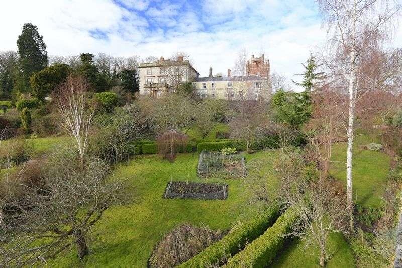 6 Bedrooms Cottage House for sale in Bull Lane, Denbigh