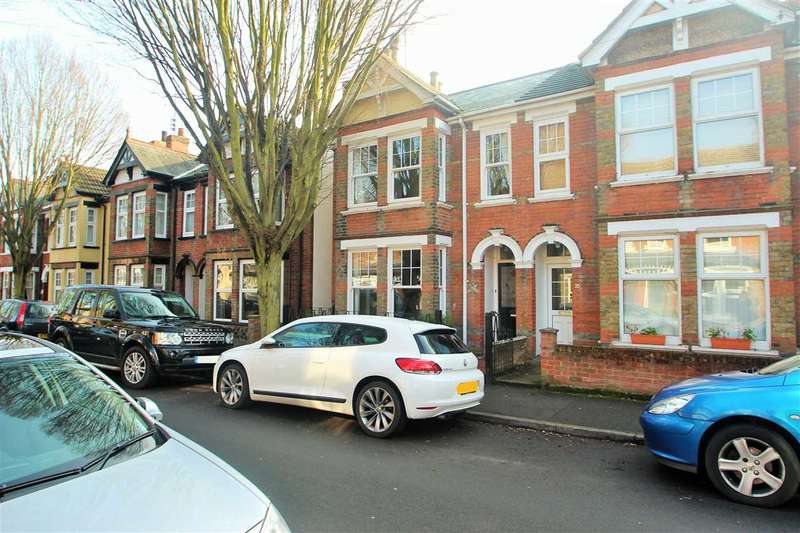 3 Bedrooms Semi Detached House for sale in Harsnett Road, New Town, Colchester