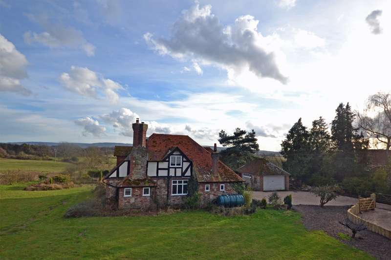 4 Bedrooms Cottage House for sale in Old Mill Place, Pulborough, West Sussex, RH20