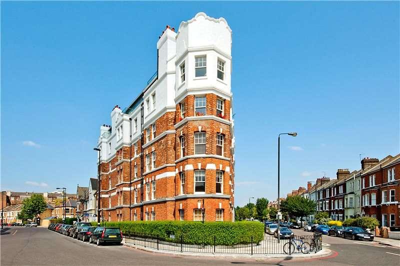 3 Bedrooms Flat for sale in Cambridge Mansions, Cambridge Road, Battersea, London, SW11
