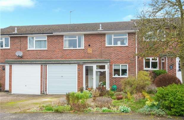 3 Bedrooms Terraced House for sale in Royle Close, Chalfont St Peter, Buckinghamshire