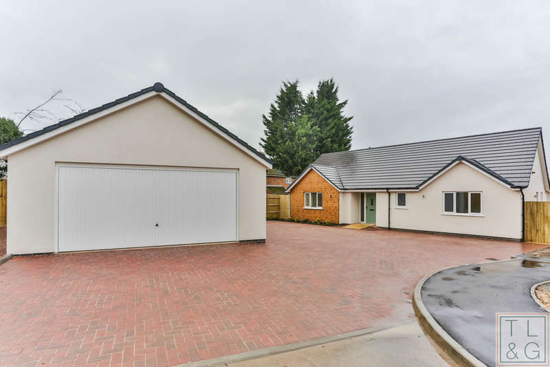 3 Bedrooms Detached Bungalow for sale in Church Walk, Norton