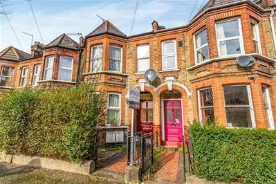 1 Bedroom Flat for sale in Cornwallis Road, London
