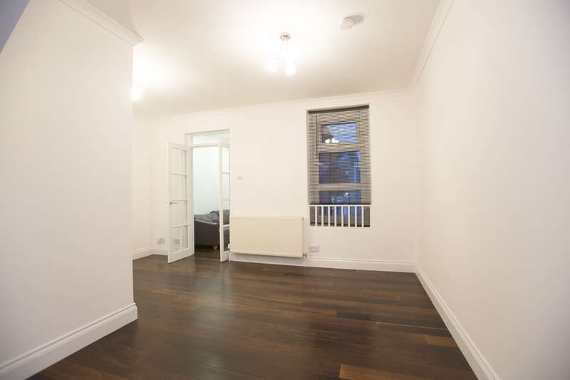 5 Bedrooms End Of Terrace House for sale in Central Park Road, London, London, E6