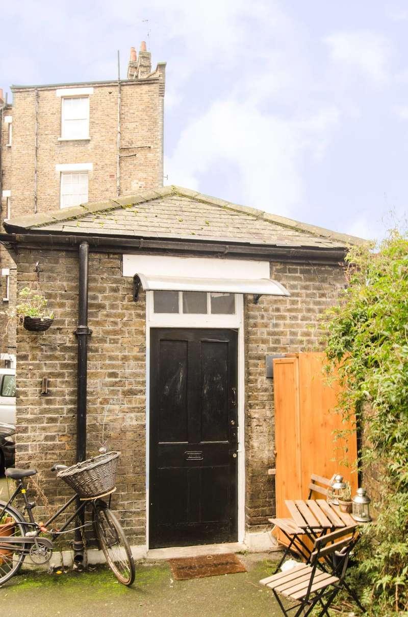 Studio Flat for sale in Burnham Street, Bethnal Green, E2