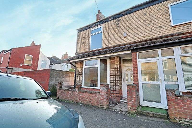 3 Bedrooms Terraced House for sale in Rosebery Street, Hull