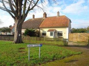 2 Bedrooms Bungalow for sale in Warwick Road, Canterbury, Kent