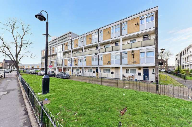 3 Bedrooms Flat for sale in Rupert Gardens, London SW9