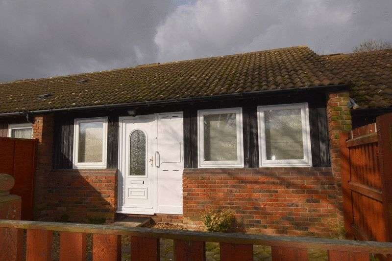 3 Bedrooms Bungalow for sale in Hills Close, Milton Keynes